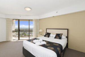 3 bedroom masters bed