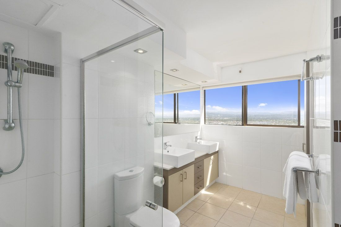 3 bedroom superior bathroom