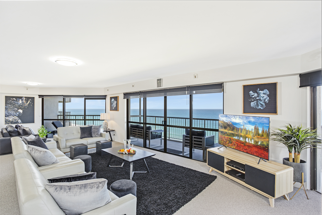 2 bedroom superior lounge and balcony