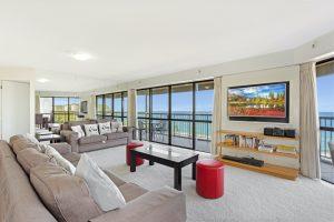 3 bedroom superior lounge